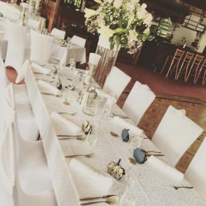 Wit gedekte tafel DZ